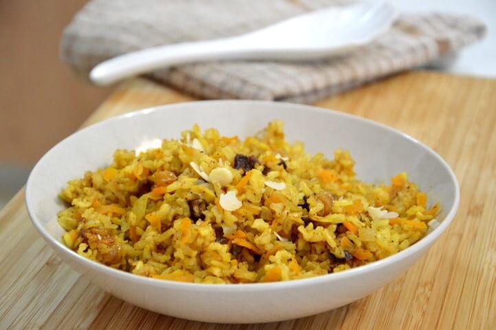 אורז מלא עם פירות יבשים