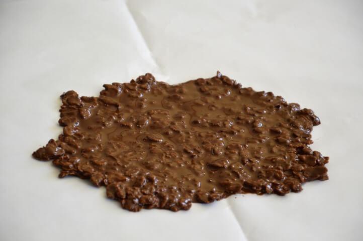 שכבת שוקולד קראנצ'ית