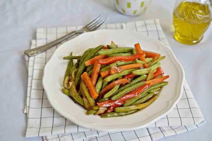 שעועית ירוקה עם ירקות