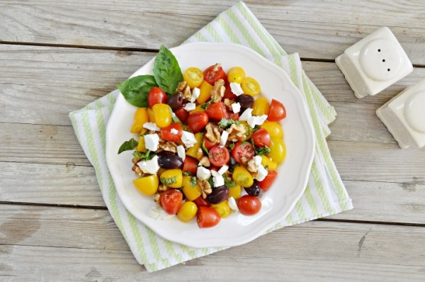 סלט עגבניות שרי, אגוזים ובולגרית