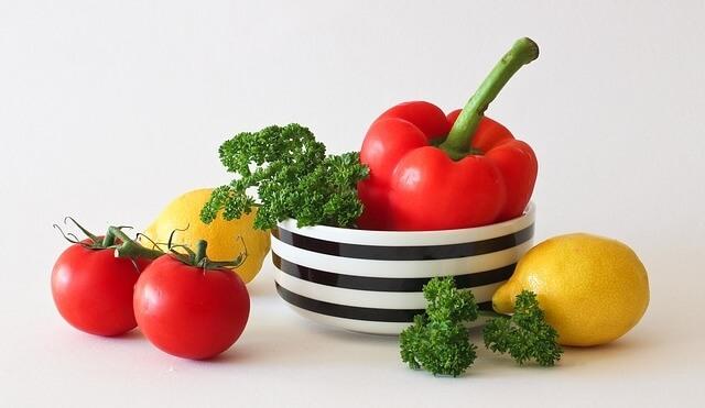 ירקות ומאכלים שכדאי לאכול טריים או מבושלים