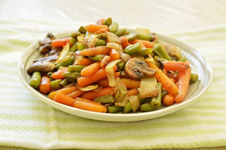 תבשיל ירקות במחבת