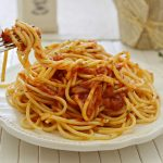 ספגטי ברוטב עגבניות חריף