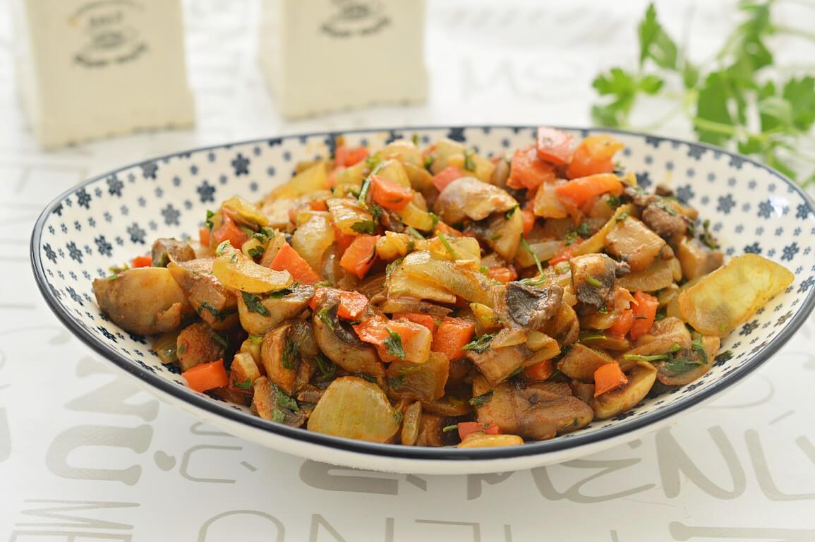 סלט מבושל של פטריות וגמבה
