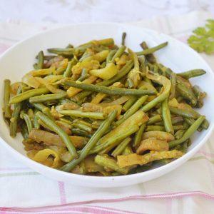 תבשיל קישואים ושעועית ירוקה