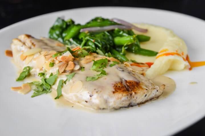 פילה מוסר ים של מסעדת FISH, צילום: גליה אבירם