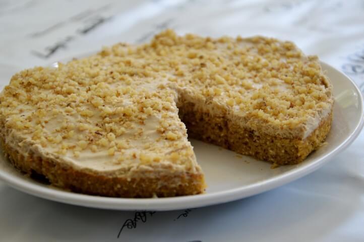 עוגת קרם אגוזים