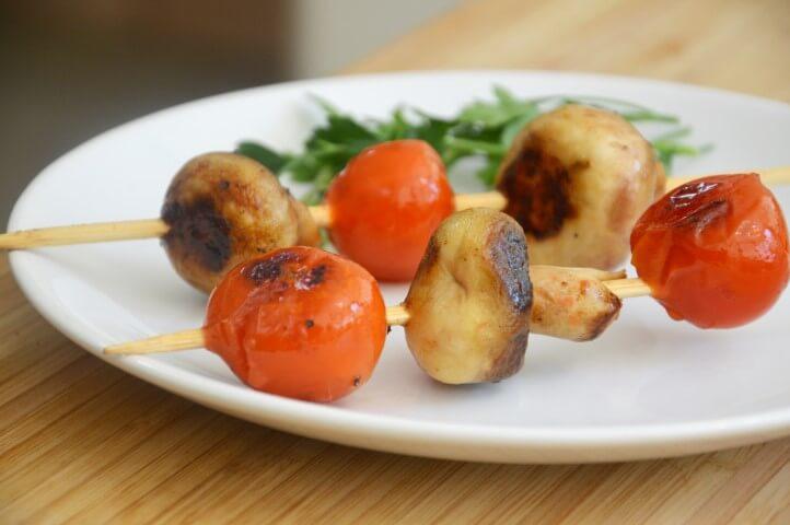 שיפודי עגבניות שרי ופטריות