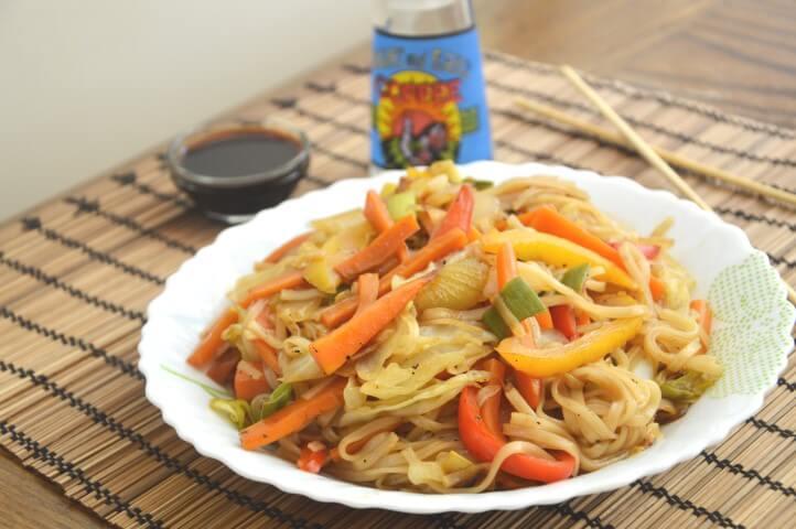 אטריות אורז עם ירקות