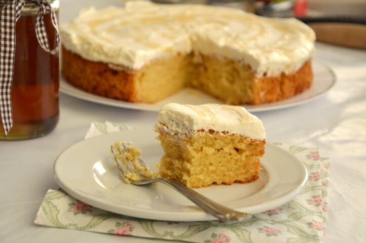 עוגת דבש עם קרם