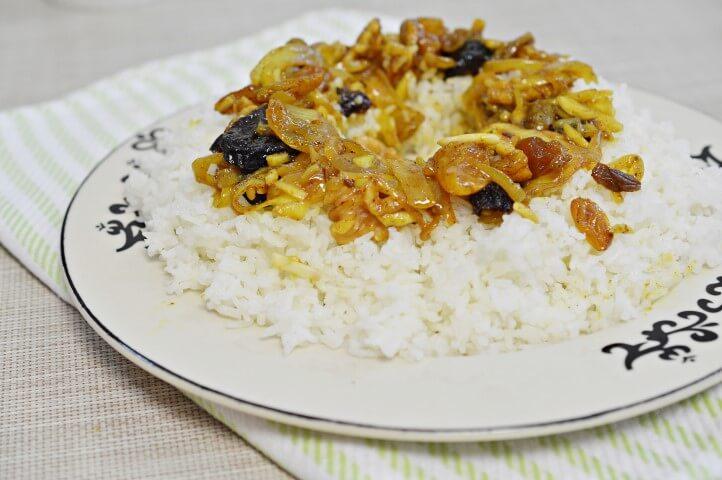 טנזיה על אורז לבן