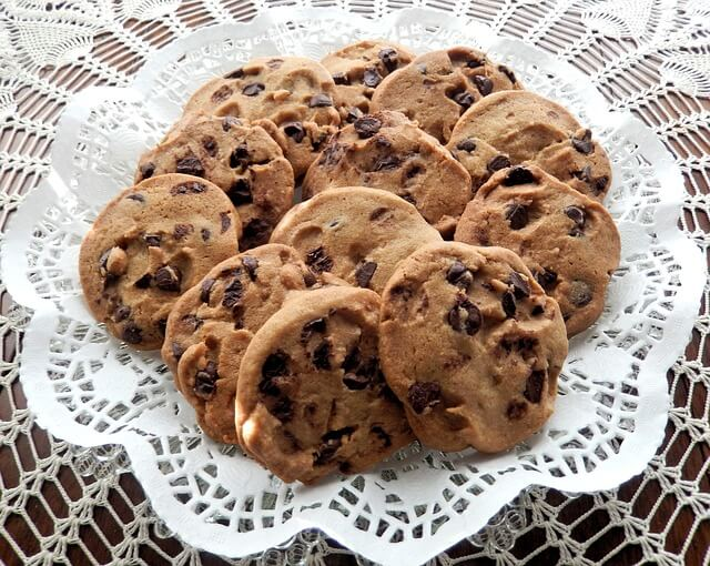 chocolate-chip-cookies-940428_640