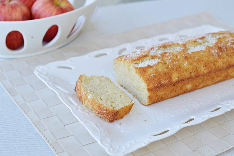 עוגת תפוחים וקוקוס