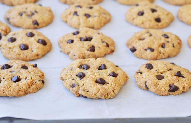 עוגיות חמאה, אגוזים ושוקולד צ'יפס