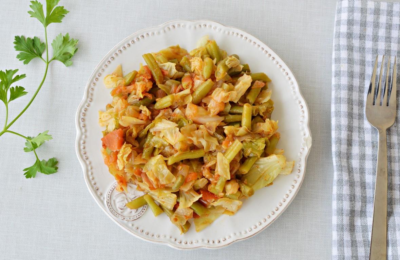 תבשיל כרוב עם שעועית ירוקה