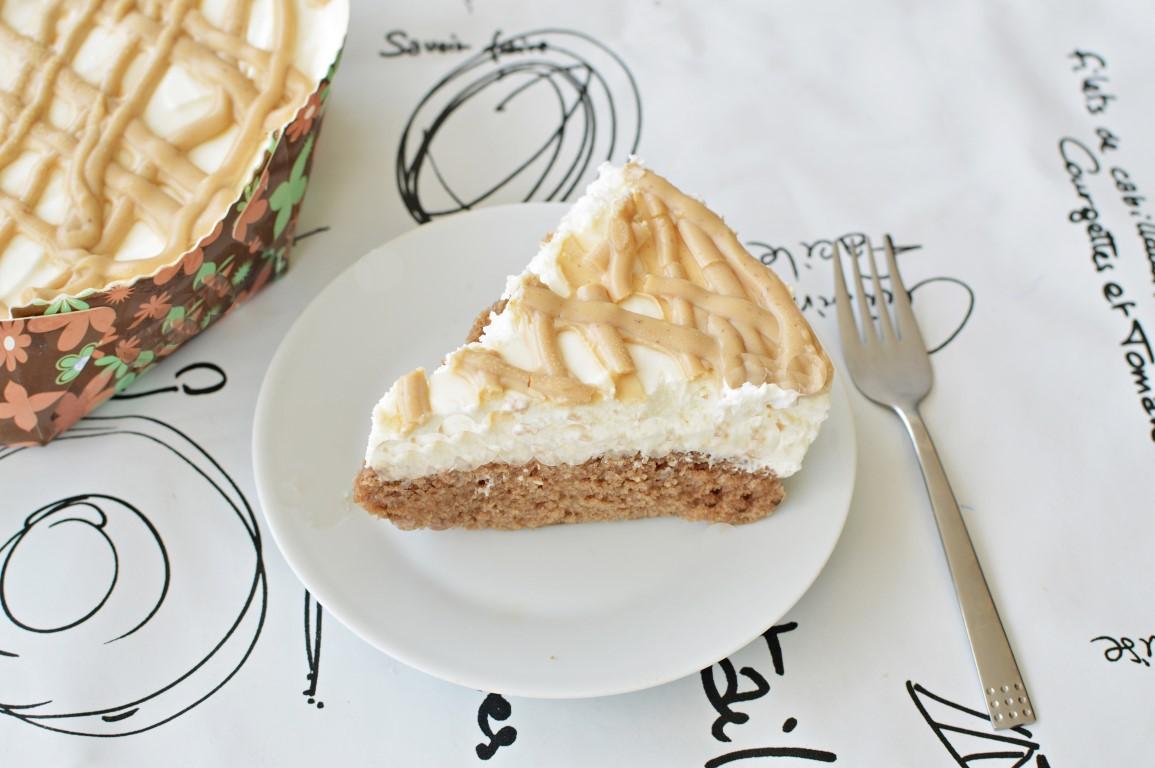עוגת גבינה וקפה